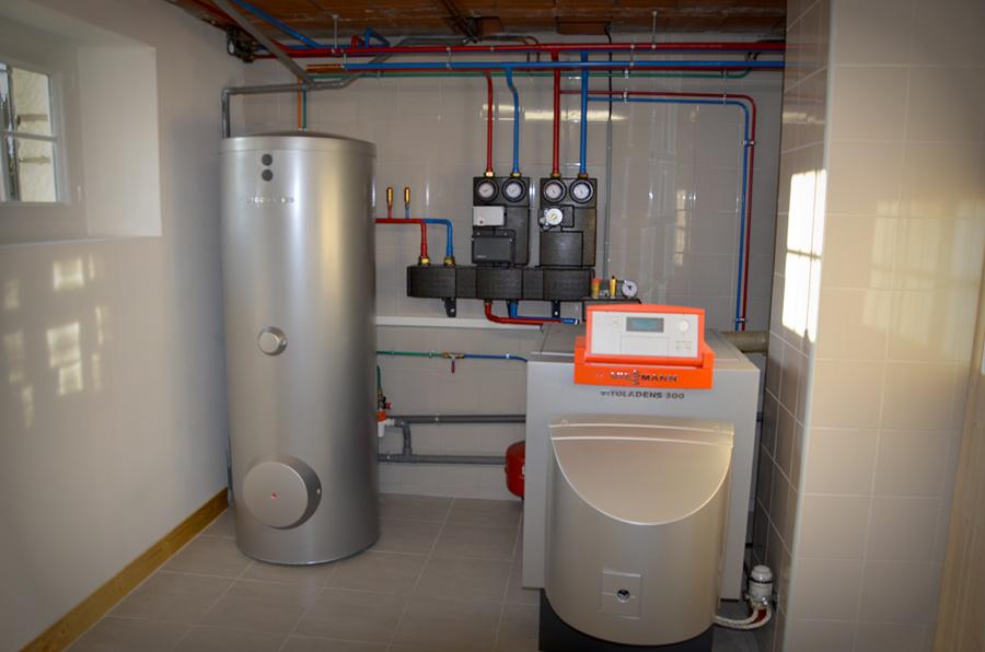 chaufferie chaudière fioul à condensation + production d'eau chaude